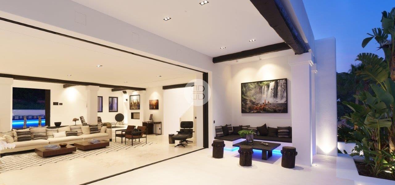 6 Bedrooms, Villa, For Rent, 5 Bathrooms, Listing ID undefined, Cap Martinet, Ibiza,