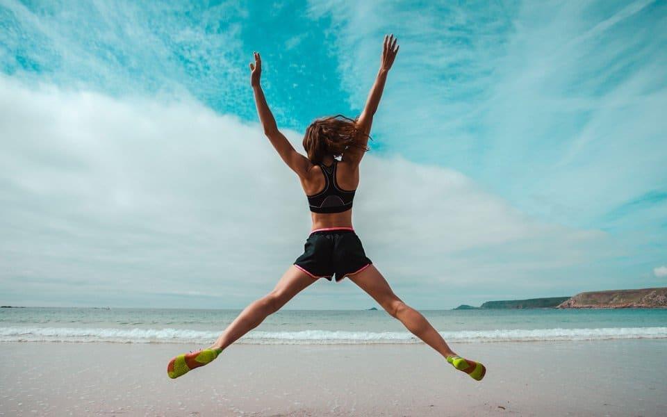 Healthy-living-beach-jump2