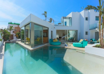 4 Bedrooms, Villa, For Rent, 4 Bathrooms, Listing ID undefined, Playa Den Bossa, Ibiza,